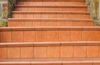 Schody przed wejściem – materiały wykończeniowe