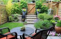 Ogród dla zapracowanych – jak oszczędzać czas na pracach w ogrodzie?