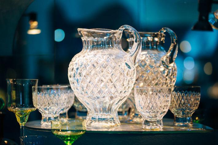 Wyczyszczone naczynia kryształowe