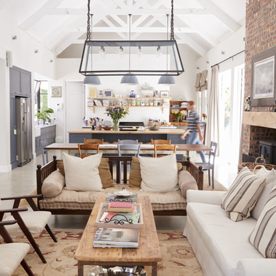 Przytulny salon z częścią kuchenną