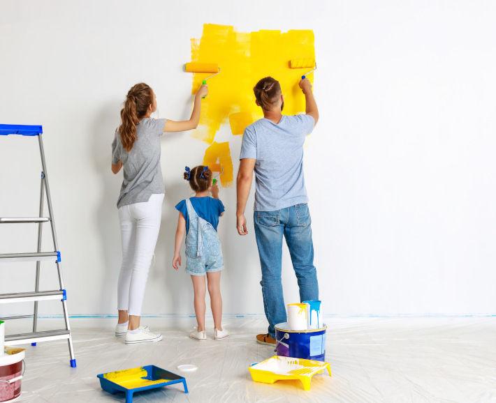 Malowanie pokoju dziecięcego na żółto