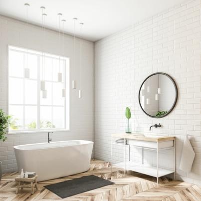 Jasna łazienka w bieli i drewnie