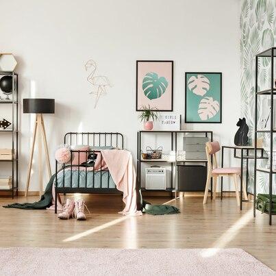 Różowo-zielony pokój nastolatki