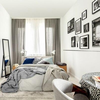 Czarno-białe dodatki w sypialni