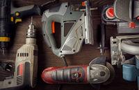 Zestawy akumulatorowe narzędzi – za czy przeciw?