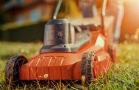 Kosiarki do trawy – podział, budowa i funkcje